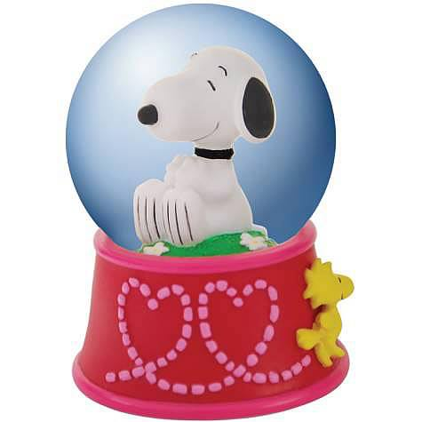 Peanuts Snoopy with Woodstock Hearts Water Globe