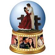 Gone with the Wind Rhett and Scarlett Embrace Water Globe