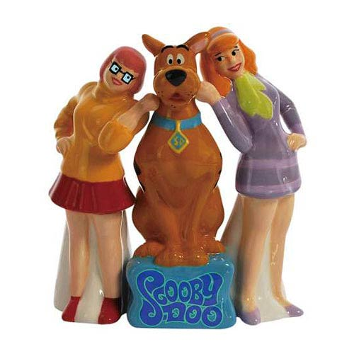 Scooby-Doo and His Girls Salt and Pepper Shakers