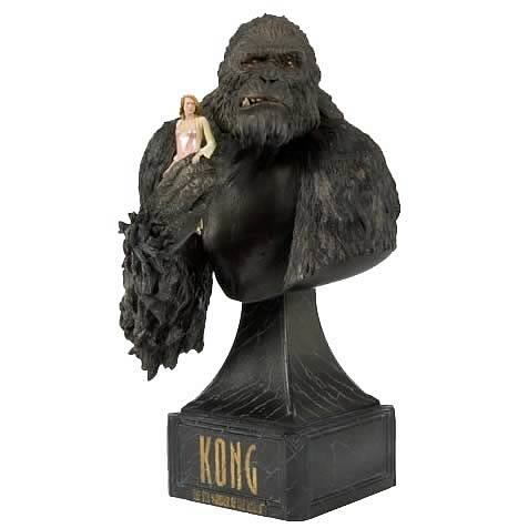 King Kong: Kong with Ann Bust