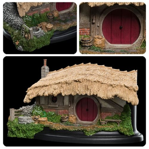 The Lord of the Rings: The Fellowship of the Ring Farmer Maggot's Hobbit Hole Statue