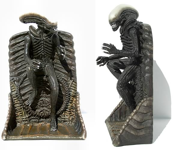 Alien 8-inch Wall Relief Standing Part 2