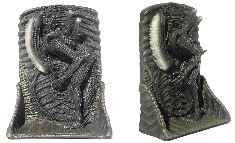 Alien 7-inch Wall Relief Bowing Part 2