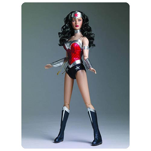 Wonder Woman As She Was Meant To Be Seen!