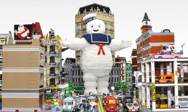 Giant Lego Stay Puft Marshmallow Man Destroys New York