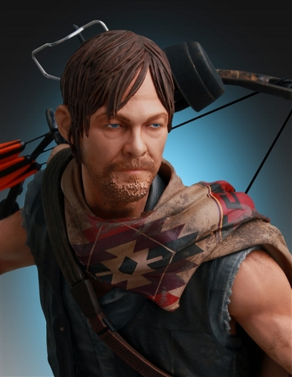 Daryl-Dixon-and-Wolves-Statue-by-Gentle-Giant-10