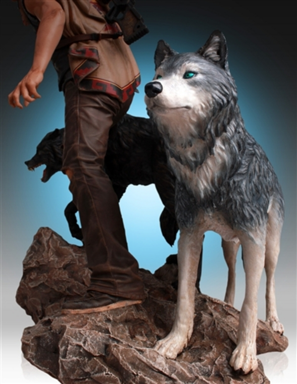 Daryl-Dixon-and-Wolves-Statue-by-Gentle-Giant-2