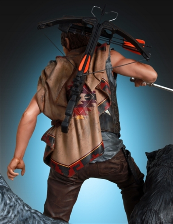 Daryl-Dixon-and-Wolves-Statue-by-Gentle-Giant-4