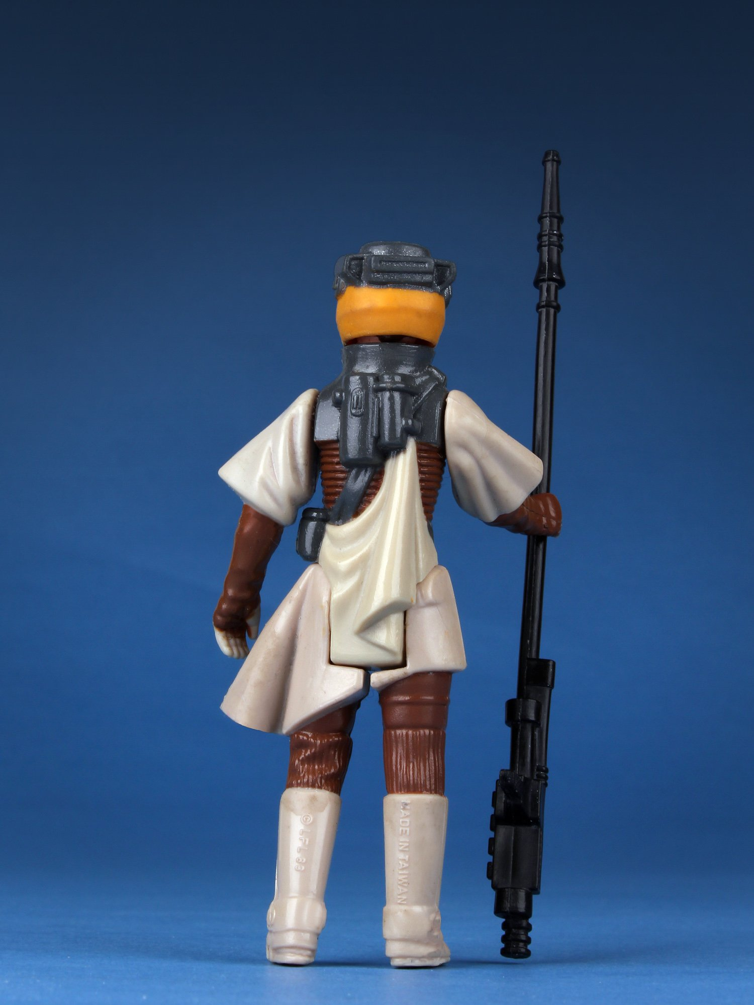 GE80306-3 & Princess Leia Organa in Boushh Disguise Jumbo Kenner Action Figure