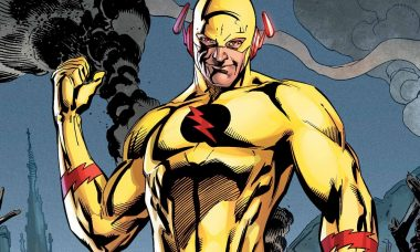 First Look: Reverse-Flash Fights The Flash
