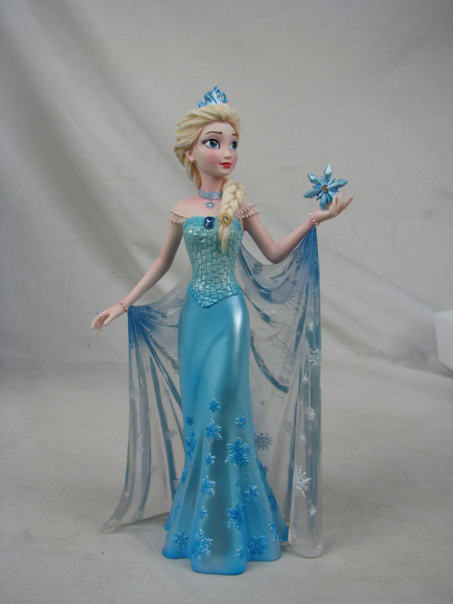 Queen elsa and princess anna are truly a force to be for Couture de force elsa