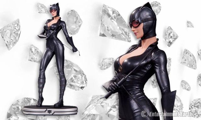 Catwoman-Cover-Girls-Statue