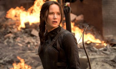 See the Girl on Fire Spark a Revolution in First Mockingjay – Part 2 Trailer