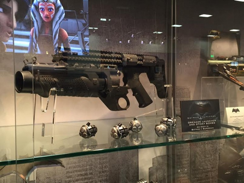 http://news.entertainmentearth.com/wp-content/uploads/2015/07/Batman-v-Superman-Gadgets-Grenade-Launcher-and-Sticky-Bombs.jpg