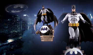 Batman Lights up the Night as New Wall Statue
