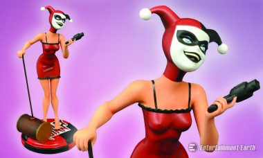Harley Quinn Gets Mad with Love as New Animated Statue