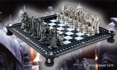 Join Harry, Ron, and Hermione in a Game of Wizard's Chess with Stunning Collectible