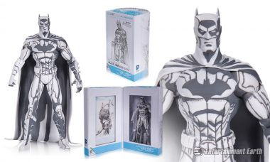 Batman Returns in Black and White as San Diego Comic-Con Exclusive