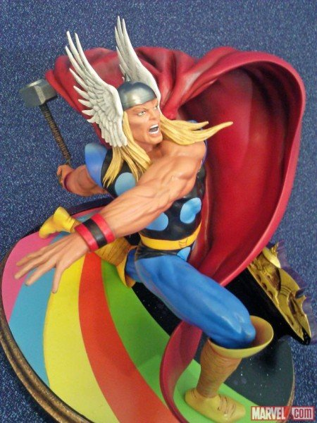 Thor Premier Collection Statue