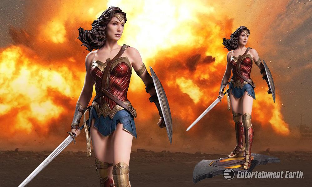 Batman V Superman Wonder Woman Statue