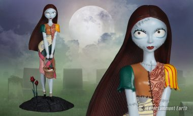 Femme Fatales Sally Statue Tells of That Special Kind of Feeling in Christmas Land