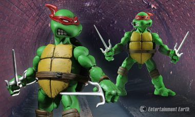COWABUNGA! TMNT's Raphael Comes as a 1:6 Scale Action Figure for the First Time