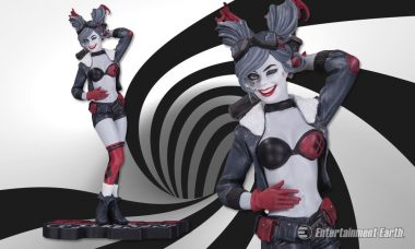 Breaking: DC Collectibles Releases Tri-Color Bombshell Harley Quinn Statue