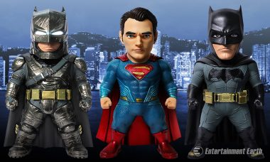 Breaking: Images of New Batman v Superman Collectibles Hit the Web
