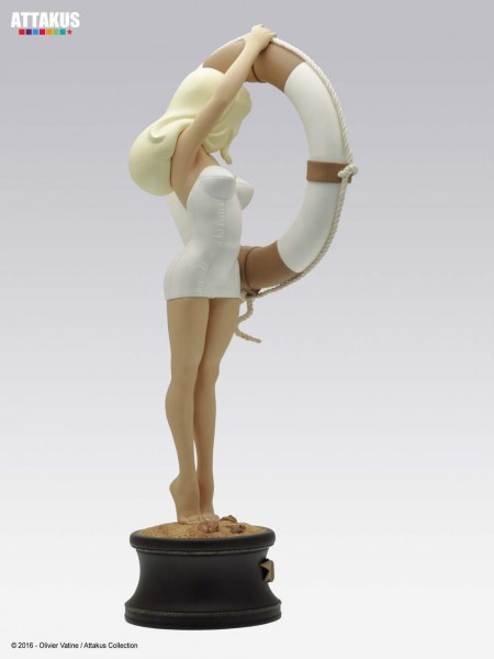 Vicki Riviera Pin-Up Statue