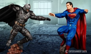 Moebius Models Lets You Recreate the Epic Smackdown of Batman vs. Superman