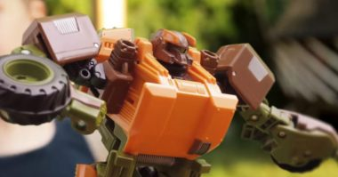 Fan Made: Transformers Short Film Shows What Kids See When They Play with Toys