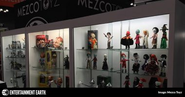 Mezco Toyz Features Entertainment Earth Exclusive Pinhead Living Dead Doll at NYCC