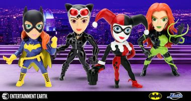 The Gotham City Sirens – and Batgirl – Join the Metals Die-Cast Line-Up!