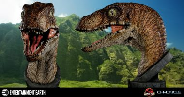 Beautiful and Terrifying Jurassic Park Velociraptor 1:1 Scale Bust