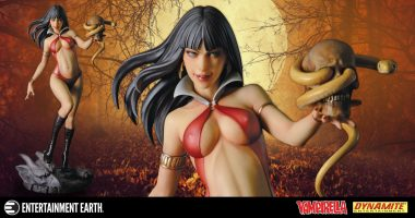 Vampirella Attracts Attention in this 1:6 Scale Statue
