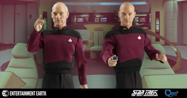 A Commanding Figure: Star Trek: TNG Captain Picard 1:6 Scale Action Figure