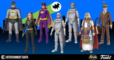 One of These Batman 1966 Action Figures Has a Easter Egg Chase