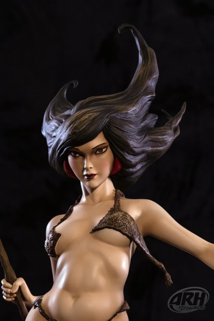Frank Frazetta Huntress 1:4 Scale Statue