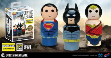 This Convention Exclusive JUSTICE LEAGUE™ Pin Mate Set is Exceedingly Limited