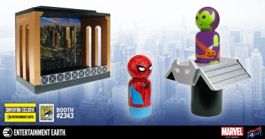 First in the Series! Exclusive Spider-Man & Green Goblin with Glider in All-New Stackable Diorama