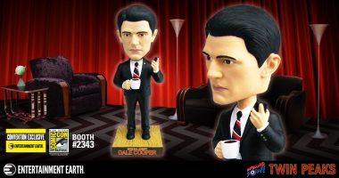 It's Happening Again… For the First Time: TWIN PEAKS Agent Cooper Bobble Head – Convention Exclusive