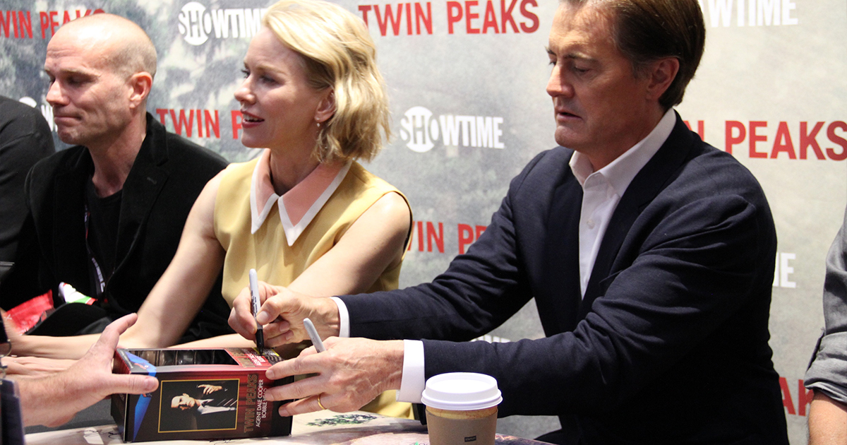 TWIN PEAKS Signing at Entertainment Earth