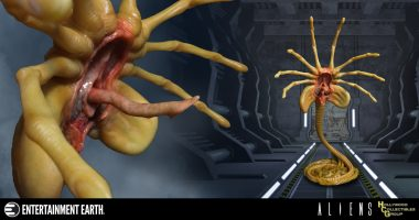 So Huggable! Get Attached to This Aliens Facehugger Prop Replica