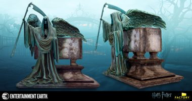 The Details on This Riddle Family Grave Monolith Statue Will Stupefy You