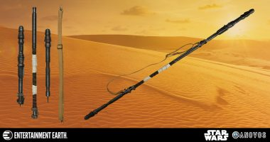 Take on All Comers with This Rey Quarterstaff Prop