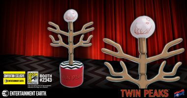 New San Diego Comic-Con Exclusive Evolution of the Arm Push Puppet and Meet the Cast of TWIN PEAKS®