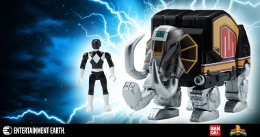 Classic Power Rangers with Zords in Collectible Sizes