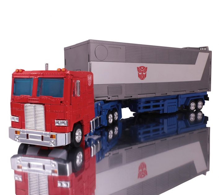 Transformers Masterpiece Edition MP-44 Optimus Prime (Convoy)